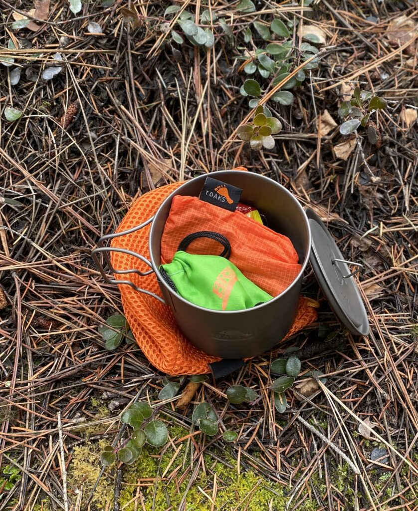 a hiking stove that fits into a Toaks camping pot