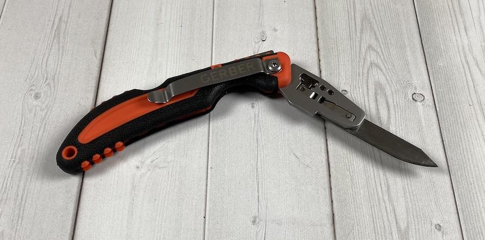 gerber foldable knife orange and black bushcraft