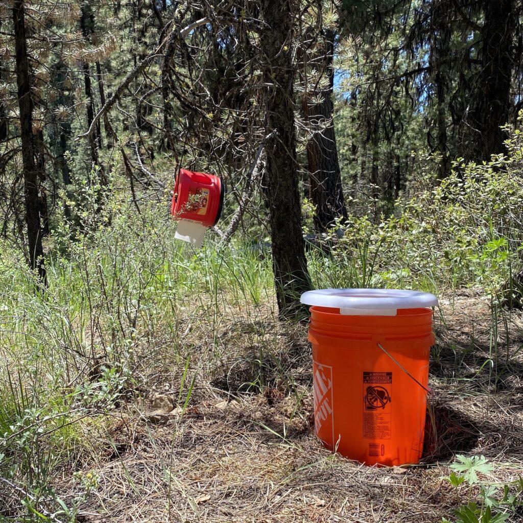 bucket toilet for camping bathroom