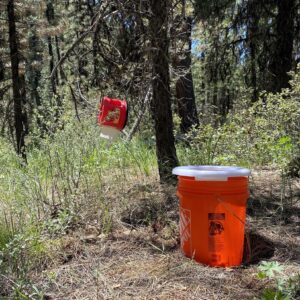 bucket toilet for camping bathroom