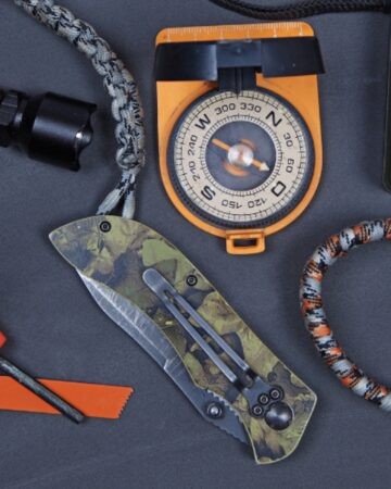 compact-and-lightweight-survival-kit-main