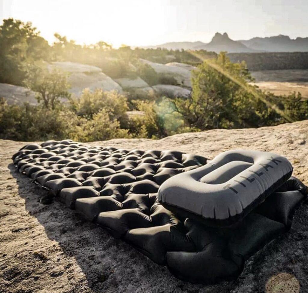 inflatable-sleeping-pad-petthewele sleeping mat